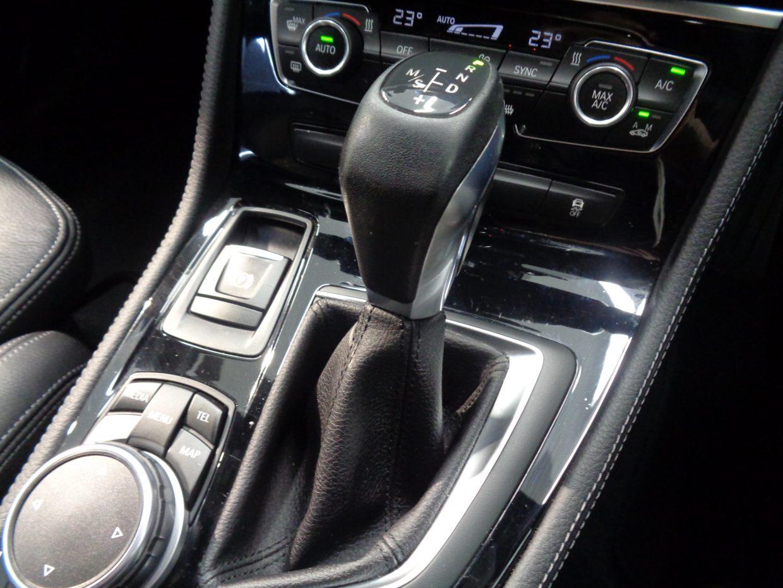 パワフルな低速から高速までスムーズな加速と、低燃費を実現するステップトロニック6速AT!