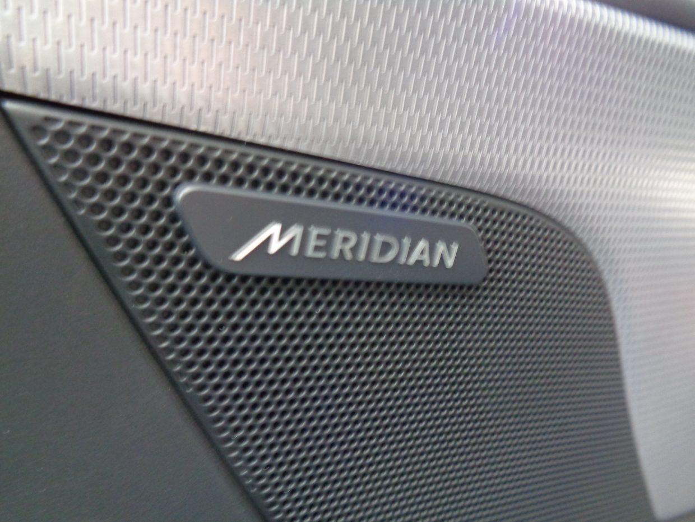 澄みきった高温から豊かで深みのある低温まで、高品質なサウンドが楽しめるメリディアンサウンドシステム!