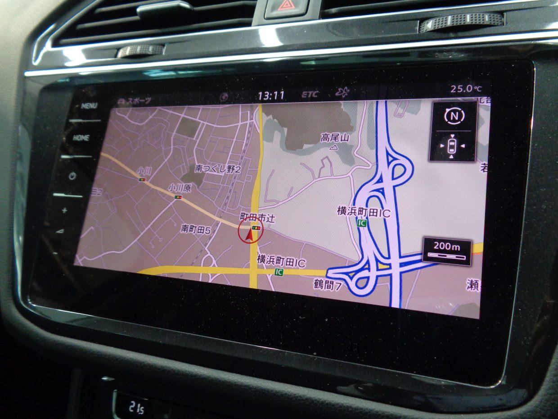 純正HDDナビ&フルセグTV!大きな画面と、シンプルで直感的なタッチ操作が使いやすい!