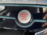 スマートキーシステム搭載!ドアロックやエンジンスタートまでキーを持たずに運転できます