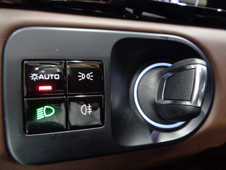 ポルシェエントリー&ドライブ!キーを持ってればドアの開閉やエンジン始動も可能です!