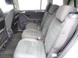 スライドやリクライニングが可能なセカンドシートには、イージーエントリー機能が採用され、サードシートへの乗降性が高められています!