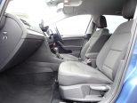 シートはクッションの厚みや硬さが最適化されていて、ロングドライブも疲れを感じさせません!