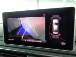 パーキングアシスト機能を備えた純正リアビューカメラを装備。ステアリング操作に連動して予測進路をモニターに表示!