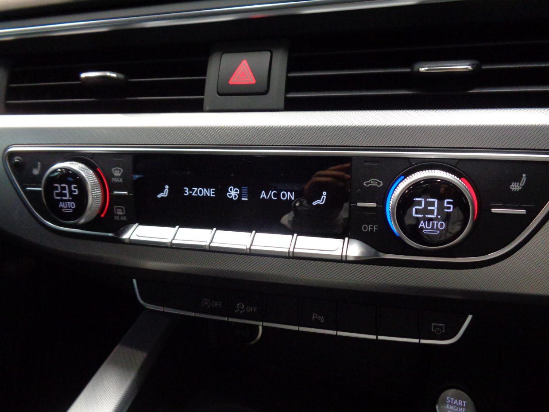 3ゾーンオートマチックエアコンディショナー装備で、助手席やリヤシートでも快適にドライブができます!