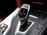 トランスミッションは8段AT!セレクターレバーの右側には、ドライビングパフォーマンスコントロールのモード切り替えスイッチが備えられています!