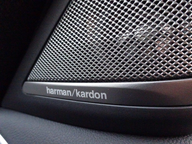 高級オーディオブランド「ハーマンカードン」のスピーカーで高音質なサウンドが楽しめます!