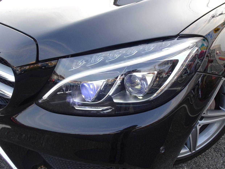 LEDヘッドライト!走行状況に応じて照射角度や範囲を変更するインテリジェントライトシステム搭載!
