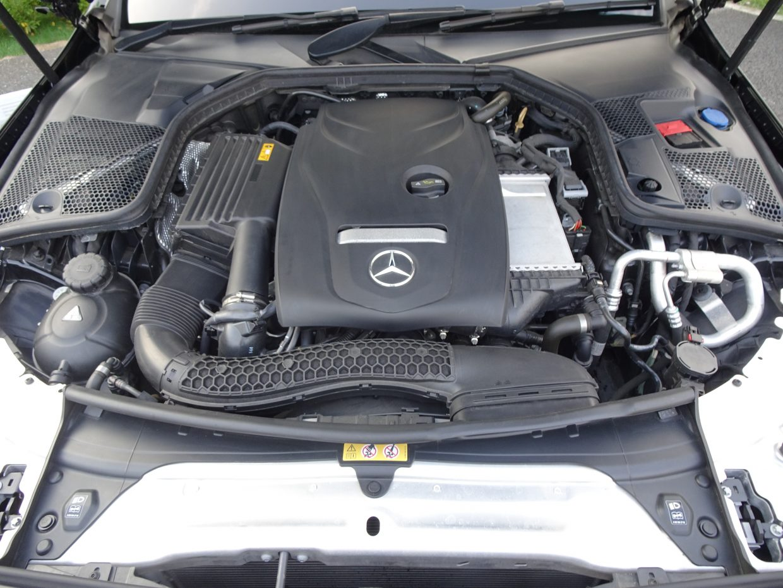 力強い加速と、すぐれた燃費経済性を両立させた2.0Lターボエンジン。カタログ燃費は16.5km/L!