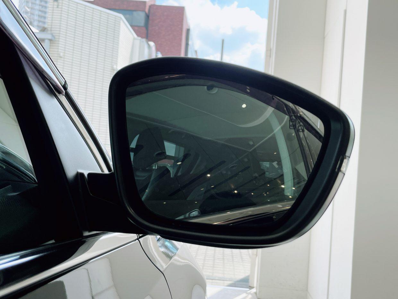 走行中、斜め後方のブラインドスポット(死角)に存在する後続車両を感知し警告するブラインドスポットモニター!