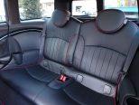 ロングドライブで疲れを感じさせない人間工学設計のシート!
