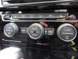 運転席、助手席ぞれぞれで温度調整が可能なフルオートエアコン!