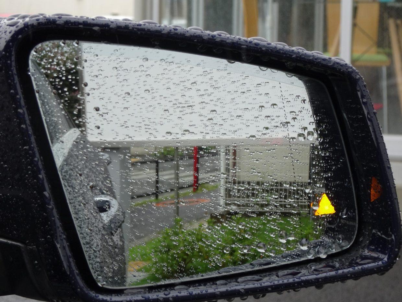 レーダーセンサーで前の車との距離を監視し、警告を行うCPA(衝突警告システム)が標準装備!