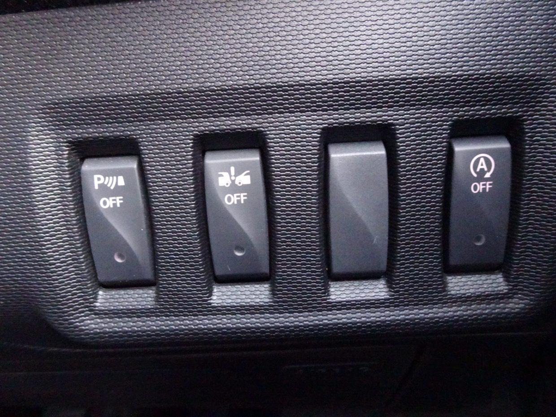 パークセンサーやアイドリングストップ等、煩わしい時のOFFスイッチもあります。