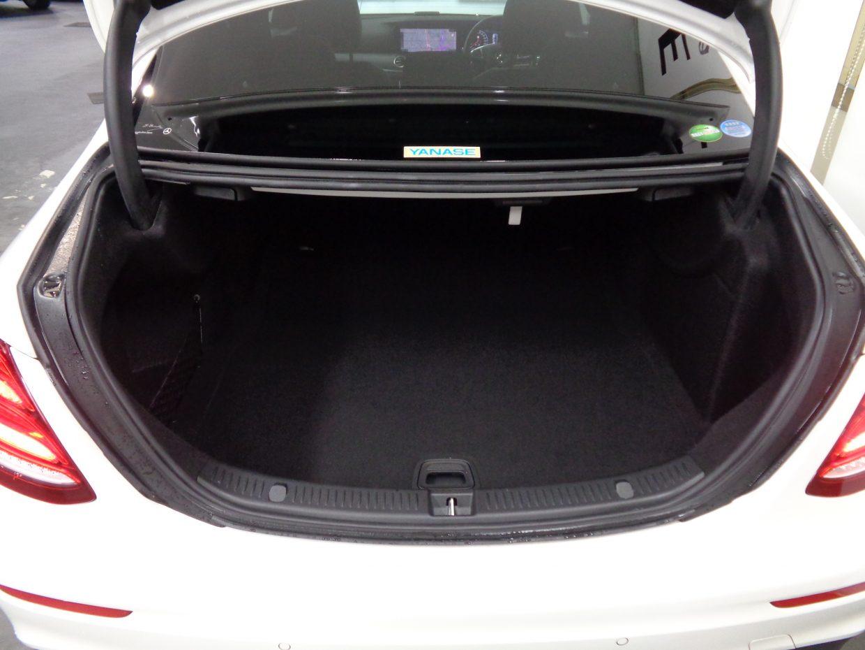 大きな開口部を持つトランクルームの容量は、標準で540リッター!
